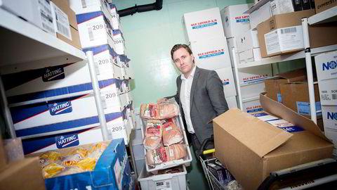 I fjor måtte Bunnpris-eier Christian Lykke lempe ut ribbe til 19,90 per kilo da priskrigen var på sitt verste. Han mener priskrigen fungerer som terrorbalanse, der kjedene må sette inn krigskassen ved behov.