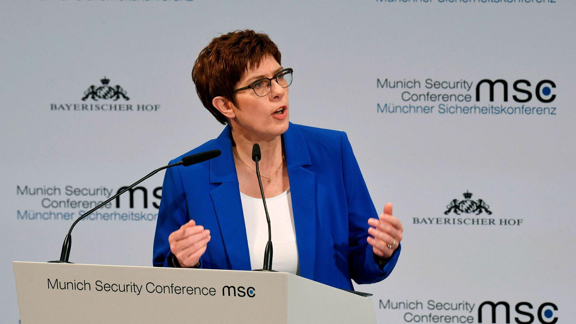 Tysklands forsvarsminister Annegret Kramp-Karrenbauer snakket varmt om to prosent til forsvar under Sikkerhetskonferansen i München i helgen, vel vitende om at hun ikke har noen som helst støtte til dette i regjeringen.
