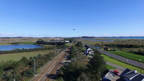 Dronene skal erstatte helikoptre og klatrere i arbeidet med å overvåke og kartlegge jernbanenettet, og sørge for sikkerhet i vedlikeholdsarbeid.