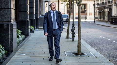 Nicolai Tangen drar en hoppanalogi for leserne av Financial Times.