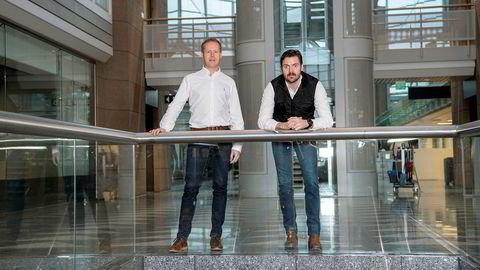 Carl Robstad (til venstre) og Fredrik Hasle Skøie utgjør sammen med Torbjørn Mollatt gründertrioen i RSM Imagineering.