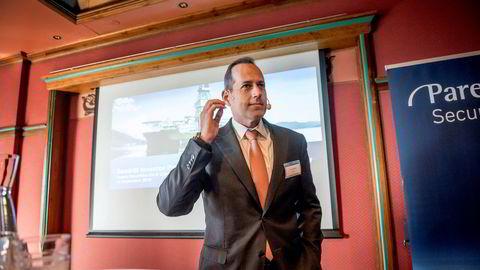 Seadrill ligger i en fallende trendkanal på mellomlang sikt. Her Seadrill-sjef Anton Dibowitz.