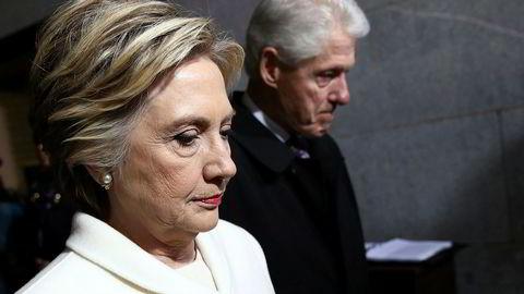 Tidligere presidentkandidat og utenriksminister i USA Hillary Clinton og tidligere president Bill Clinton.