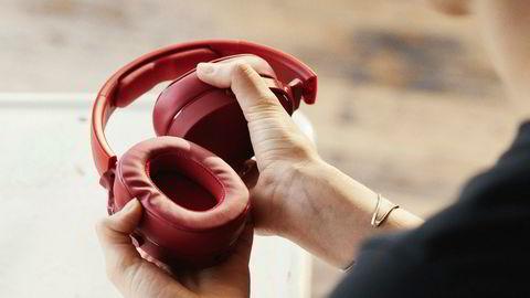 Det er fullt mulig å finne rimelige hodetelefoner som både høres og ser bra ut.