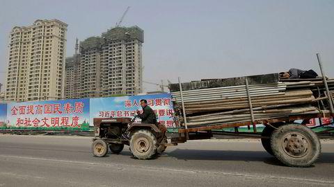 Vanvittig prisgalopp på eiendom og tomer i småbyen Baigon. På bildet et byggeprosjekt i Xiongxian-regionen i Hebei-provinsen som er stanset av myndighetene.