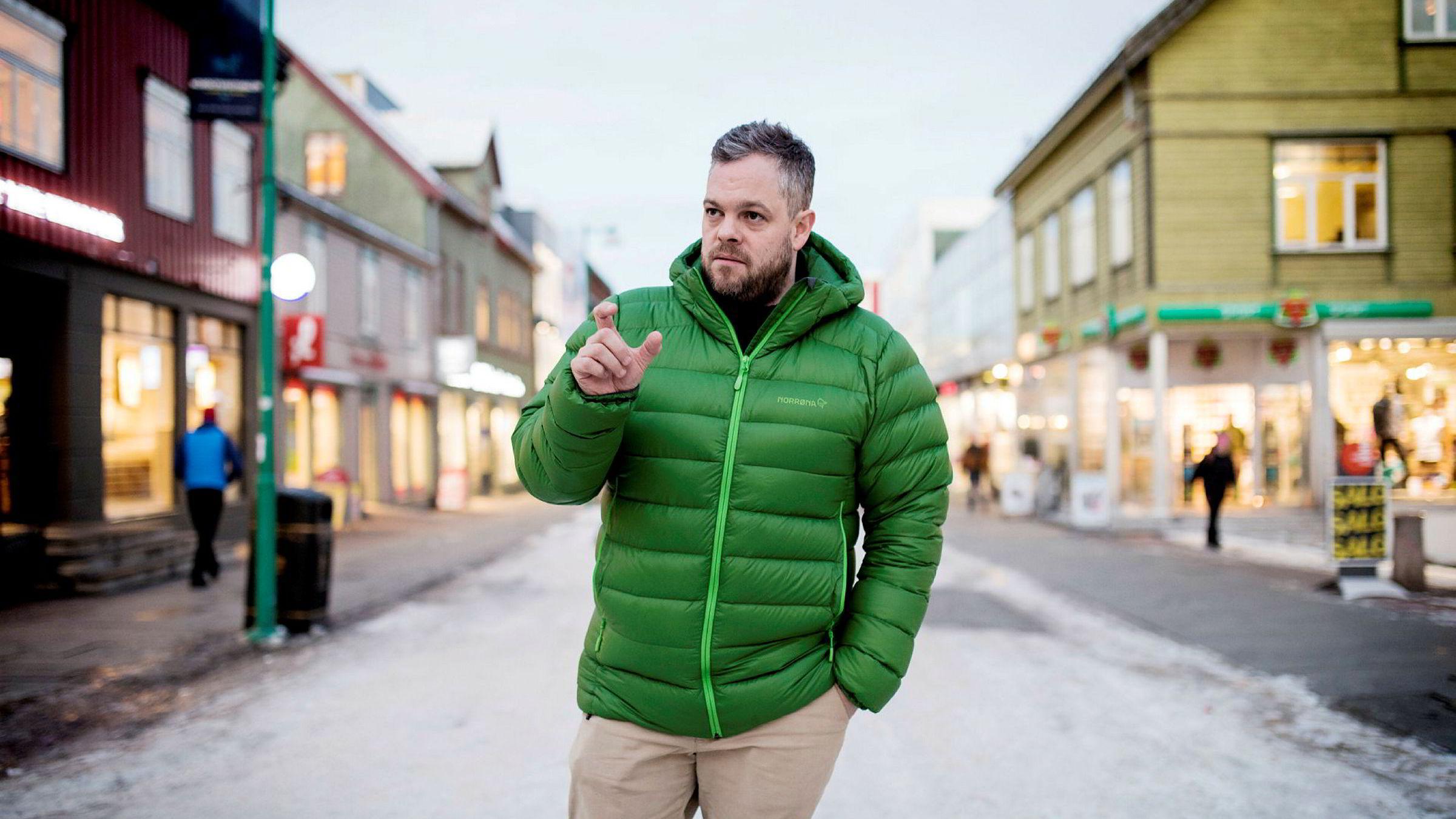 Reiselivssjef Chris Hudson i Visit Tromsø ønsker tettere samarbeid med Airbnb-aktører i Tromsø.