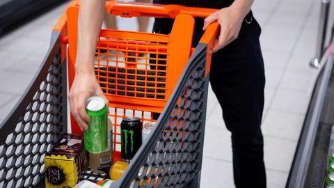 Kjøp av mat- og drikkevarer har steget mye siden koronapandemien brøt ut.