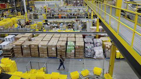Amerikanske innkjøpssjefer er forsiktige. Her fra Amazons lager i Robbinsville, New Jersey.