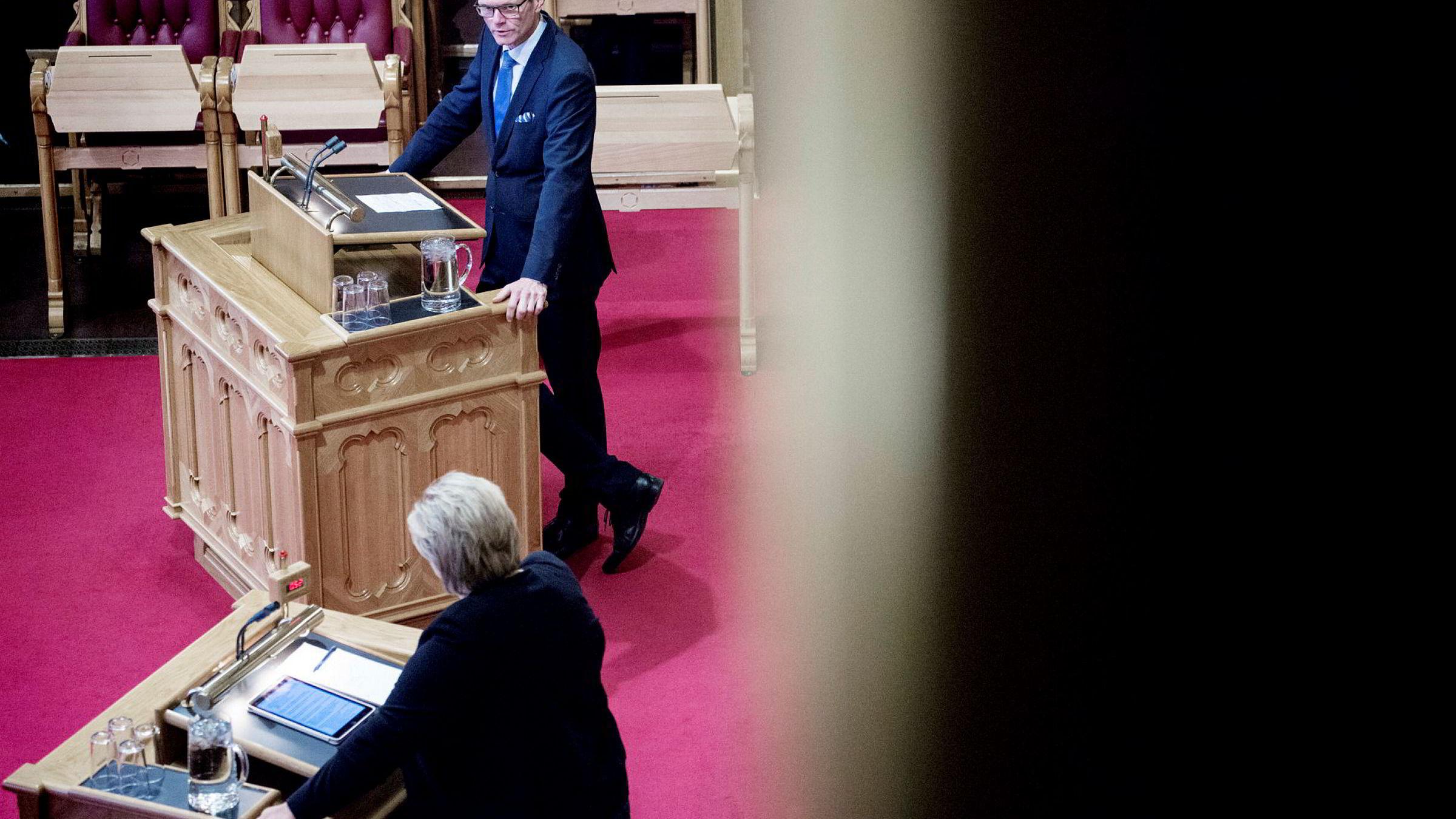 Finanspolitisk talsmann Terje Breivik i Venstre, foreslår at Oljefondet slutter med aksjeplukking og satser på passiv forvaltning av oljeformuen.