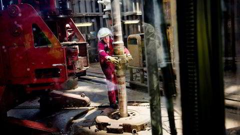 Fem år etter gassfunn i Tanzania kjemper Statoil fremdeles med å finne ut av spillereglene som selskapet må forholde seg til. I 2013 var boreskipet «Discoverer Americas» hyret inn for å lete etter gass utenfor kysten av Tanzania.