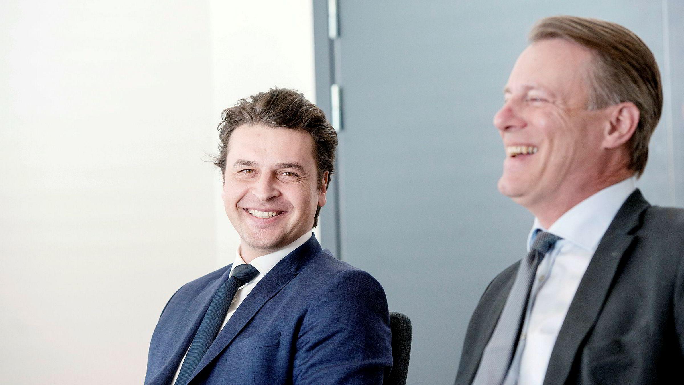 – Vi har investeringskapasitet på over ti milliarder kroner uten å måtte selge noe. Så vi kan i teorien gjøre noen veldig store enkeltinvesteringer, sier Ferds konsernsjef Morten Borge (til venstre). Investeringsselskapet eies av Johan H. Andresen (til høyre) og hans to døtre.