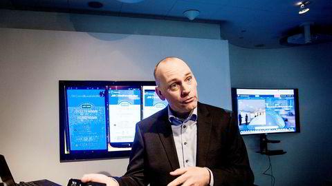 Leder for Telenor Mobil i Norge, Bjørn Ivar Moen lanserer meldingstjenesten SMS+, som gir iMessage-funksjonalitet også til andre telefoner.