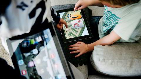 Når så du sist et barn lese «Skatten på sjørøverøya» i et venterom, på tog, eller på besøk i ditt kjedelige hjem?