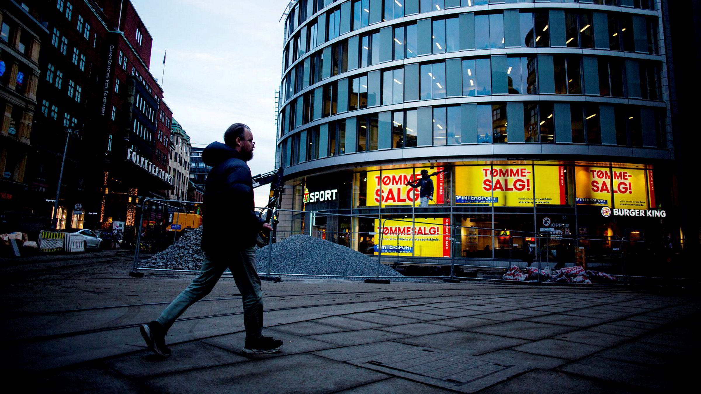 På utsalget til G-sport i Oslo sentrum er det tømmesalg.