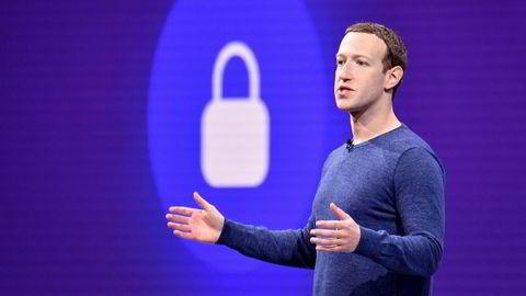 Facebook-sjef Mark Zuckerberg under sitt hovedinnlegg på F8-konferansen i San Jose, California 1. mai 2018. Zuckerberg vil gi Facebook-brukere muligheten til å fjerne historikk fra profilen sin.