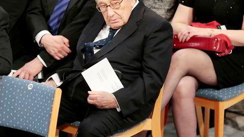 USAs tidligere utenriksminister, Henry Kissinger, var tilstede da Nobels fredspris 2016 ble tildelt Colombias president Juan Manuel Santos lørdag.