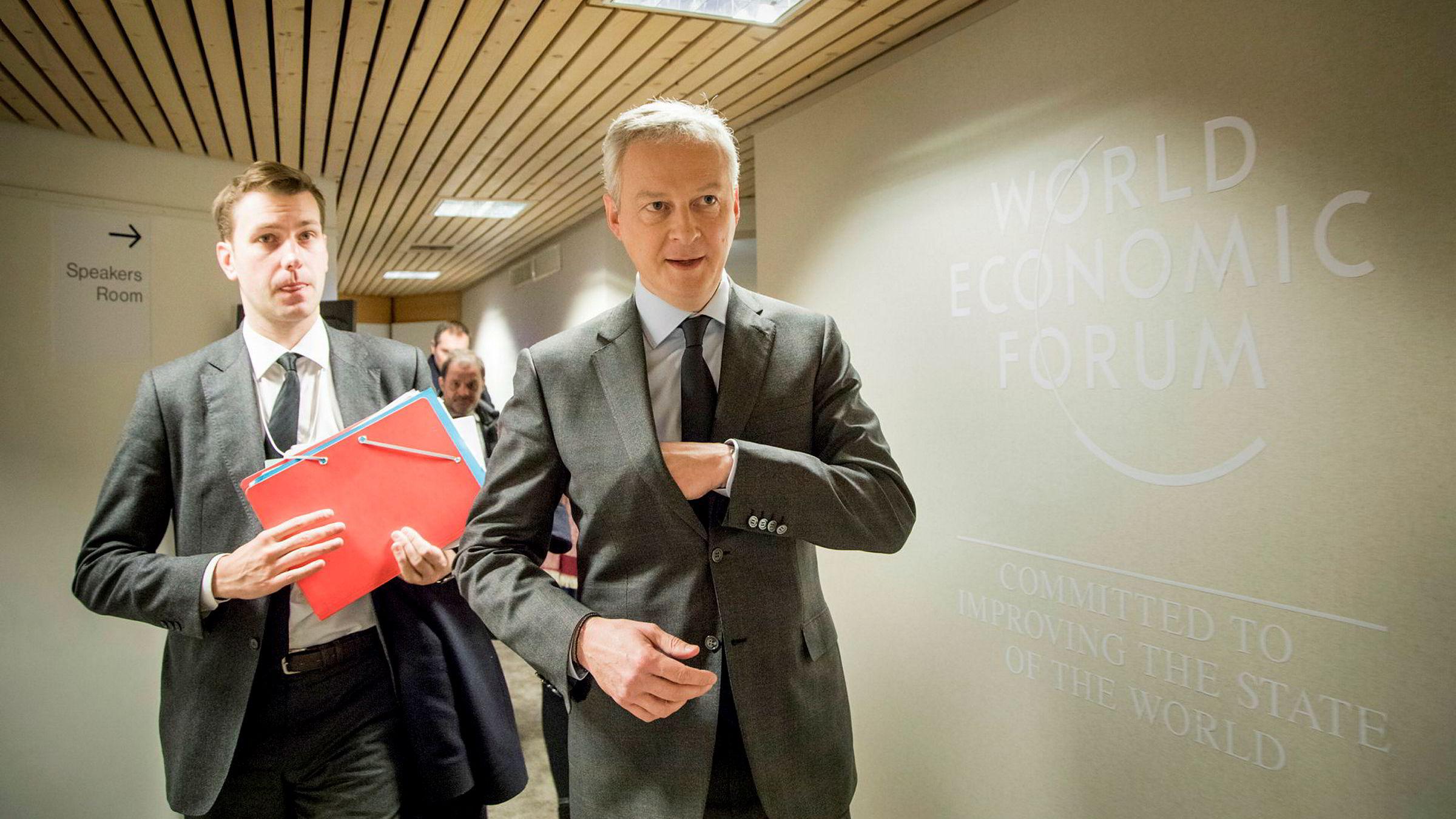 – Vi kan ikke lenger ha et skattesystem der de selskapene som tjener mest, betaler minst skatt, sier Frankrikes finansministeren Bruno Le Maire, som deltar på World Economic Forum i Davos.