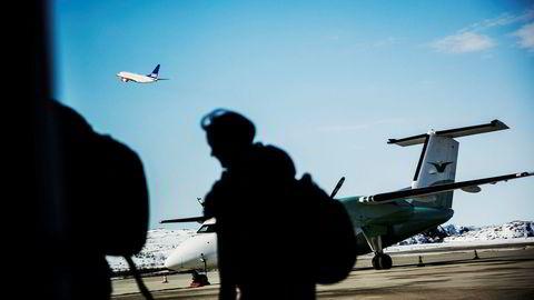Verdens flyselskaper har firedoblet sine avgifter siden 2010. Nå prøver Norwegian ut et ekstragebyr på 50 kroner for såkalt priority boarding.