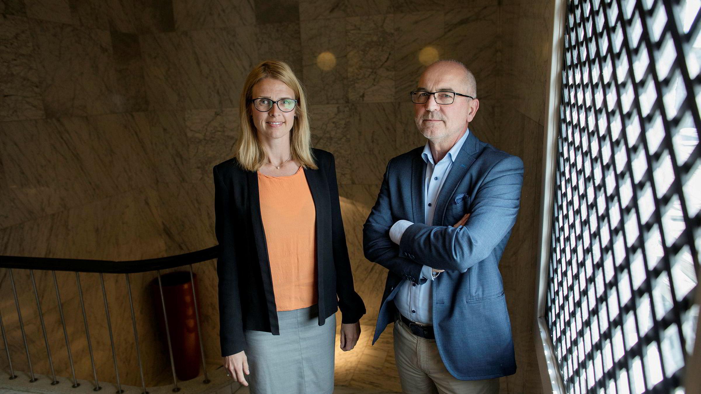 Senioradvokat Benedicte Langford og partner John S. Gulbrandsen i Bing Hodneland advokatselskap mener både brudd på konfidensialitetsavtalen og markedsføringsloven bør behandles samtidig.