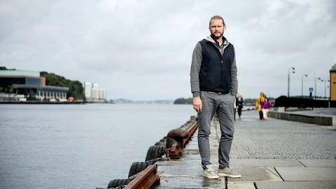 Det jobbes nå på overtid for å redde Petter Smedvig Hagland selskap Petrus fra konkurs.