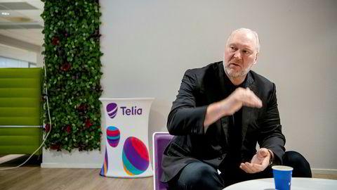 – Vi skal utvikle nye typer tjenester for å vinne tilbake terreng i privatmarkedet, sier Stein-Erik Vellan, administrerende direktør i Telia Norge.