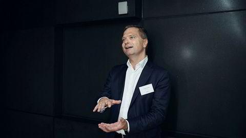 – Det jeg har gjort innenfor olje er at jeg har breddet eksponeringen mot oljeselskaper som tjener penger her og nå, selskaper som har inntjening og god kontantstrøm, sier investor Harald Espedal.