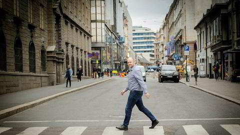 Rolf Lothe, fagsjef i Skattebetalerforeningen, råder alle til å sjekke skattemeldingen.