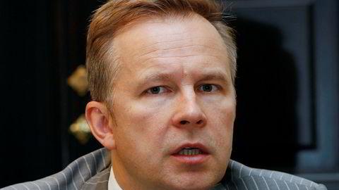 Latvias sentralbanksjef Ilmars Rimsevics er mandag blitt løslatt mot kausjon.