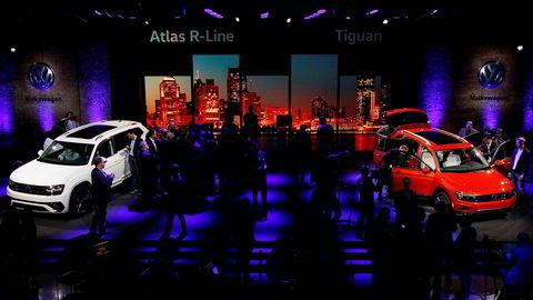 Bilutstillingen i Detroit er i gang denne uken, men Volkswagens to nyheter Atlas (til venstre) og en langversjon av Tiguan overskygges nok en gang av utslippsskandalen.