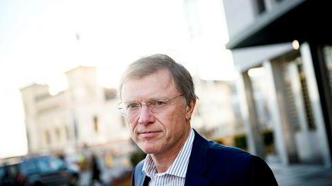 Sjefstrateg Peter Hermanrud i Sparebank 1 Markets sier man kan investere i kryptovaluta, men man må ha litt kunnskap.