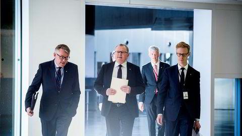 Kommunikasjonsdirektør i Statoil Reidar Gjærum (fra venstre), konsernsjef Eldar Sætre, økonomidirektør Hans Jakob Hegge og Per Arne Solend før fremleggingen av tall for første kvartal.