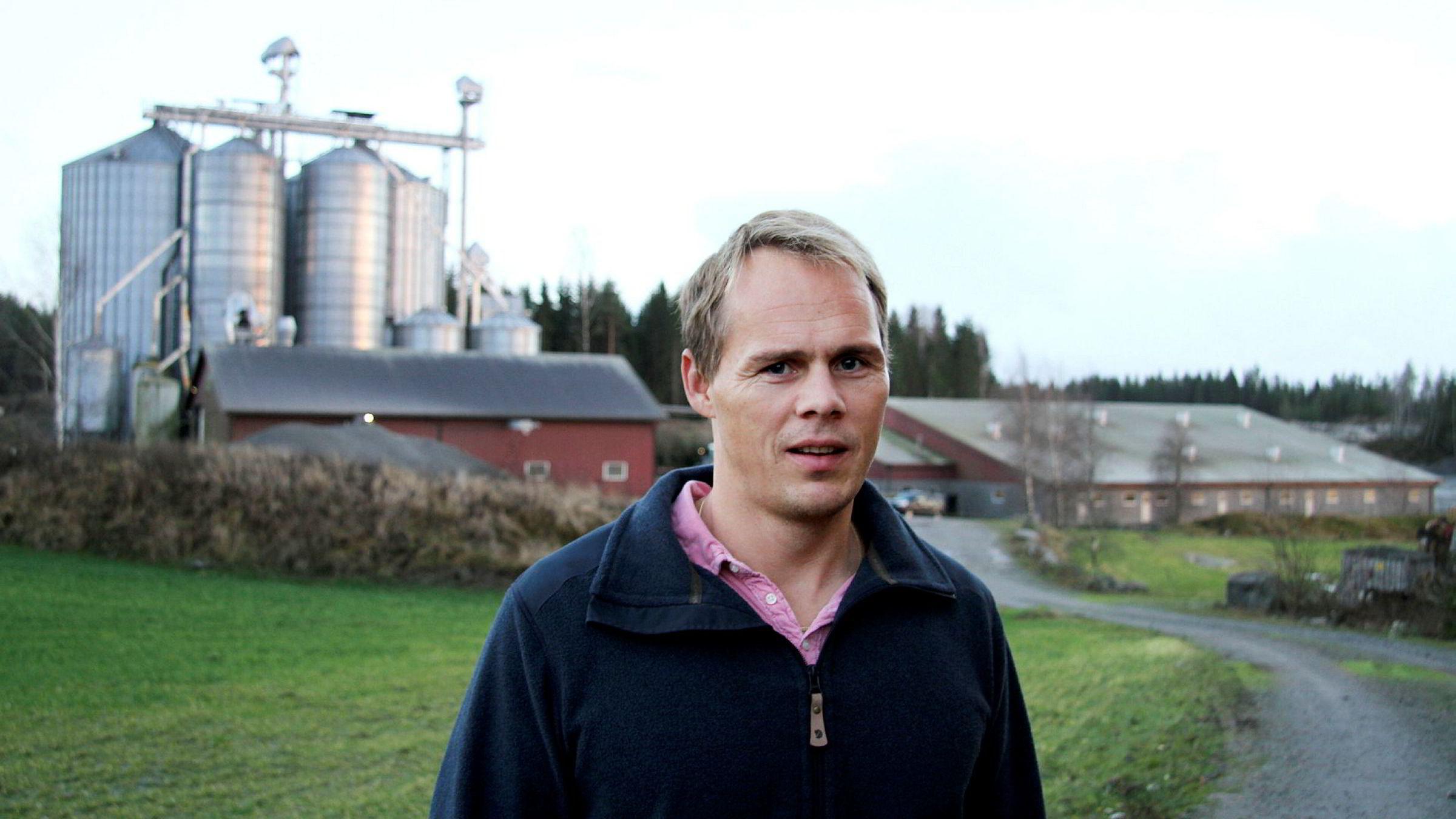 Svinebonde Henrik Mørk Eek er hovedeier i selskapene som saksøkte Arntzen de Besche. Denne uken vant han og kan kreve både erstatning og tilbakebetaling av advokatregning.