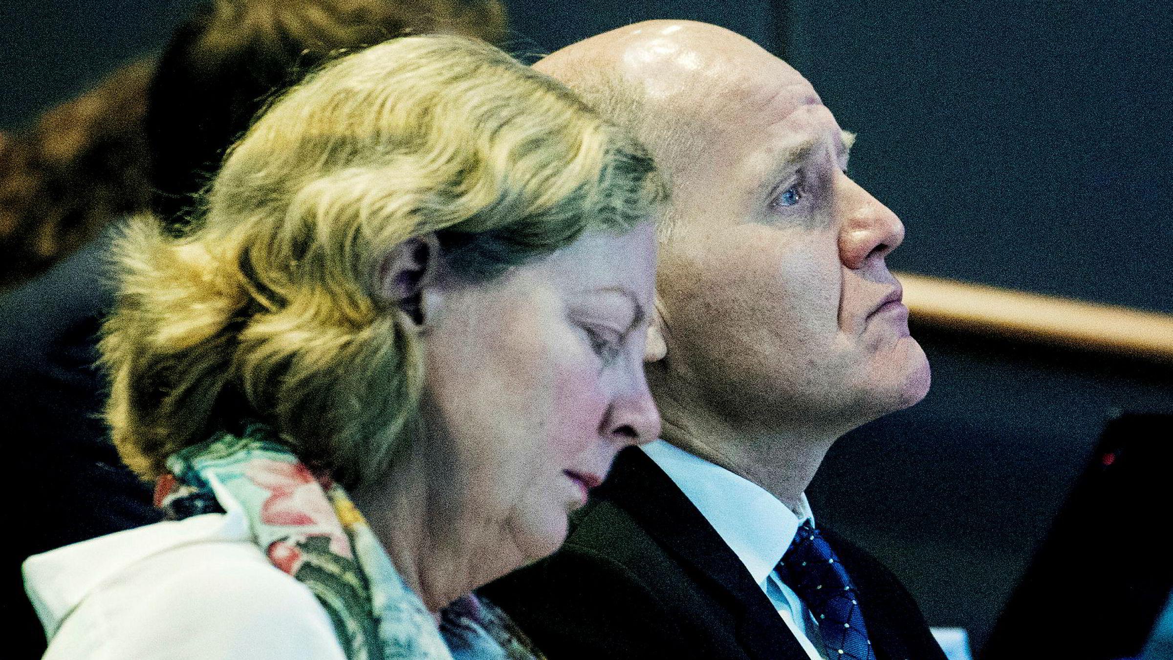 Berit Svendsen, administrerende direktør i Telenor Norge og konsernsjef Sigve Brekke i Telenor kan vente seg gebyr over 900 millioner fra Konkurransetilsynet.