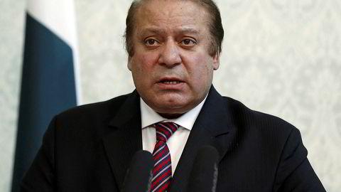 Den pakistanske statsministeren Nawaz Sharif tvinges til å gå av grunnet korrupsjonsanklager som følge av funn i Panama Papers.