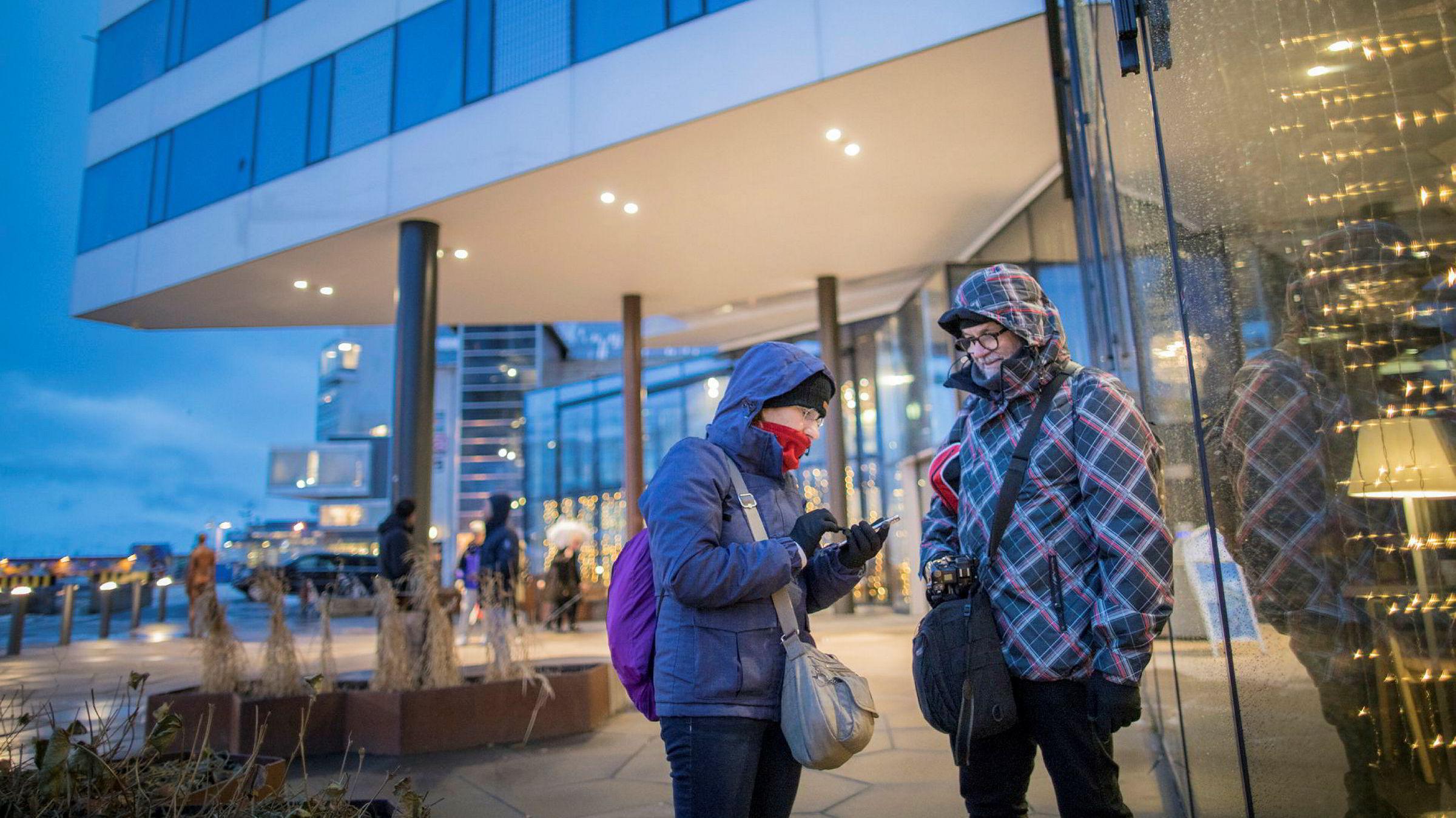 Jesus Lorenzo og Isabel Martinez fra Vigo i Spania bor på Clarion Hotel The Edge i Tromsø og jakter nordlys denne uken.