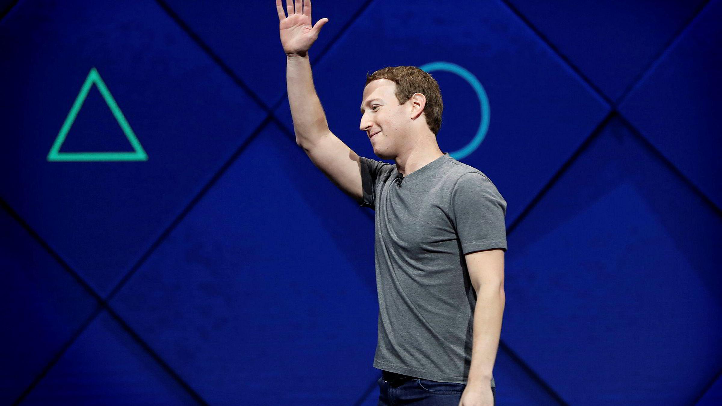 – Uansett hvor mange vi ansetter, så klarer vi ikke å se på alt som legges ut. Det er en stor utfordring, sa Facebook-sjef Mark Zuckerberg til selskapets investorer tidligere denne måneden.
