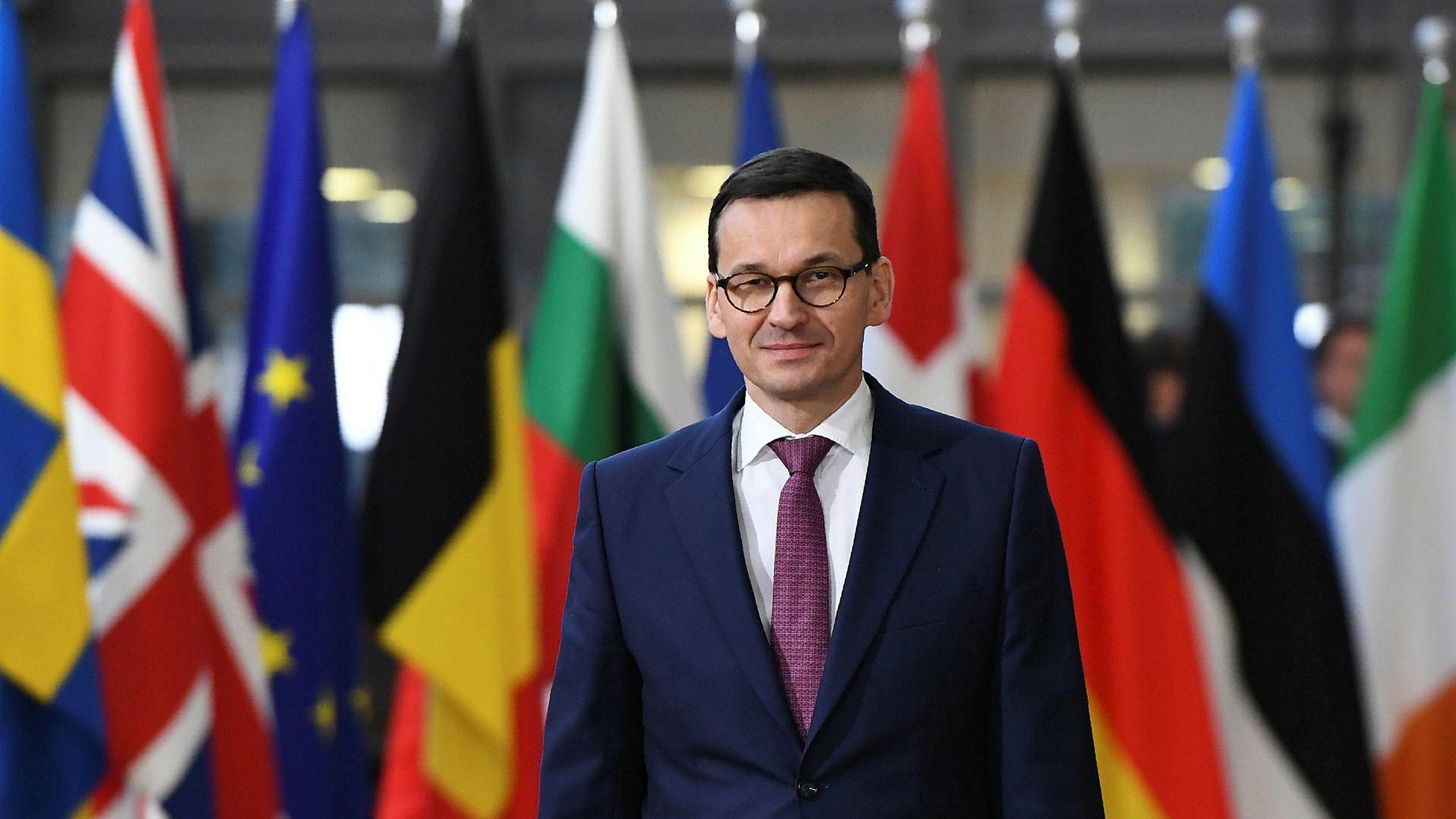 Polens statsminister Mateusz Morawiecki tror EU vil gå inn for å frata landet stemmeretten i unionen.