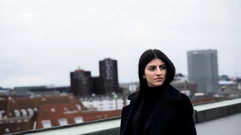 Bokaktuell. Som ungdom gjorde dansk-irakiske Zeinab Mosawi opprør mot foreldrene og deres kultur. Da ble hun sendt til Irak og holdt fanget