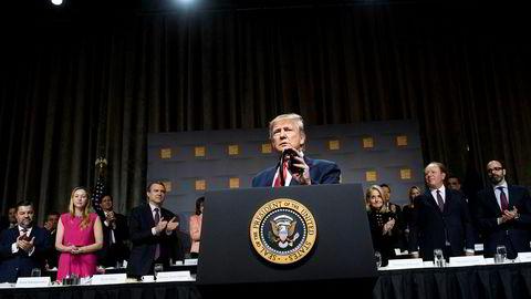 USA og Kina planla opprinnelig å undertegne «fase 1» av en handelsavtale i midten av november. Forhandlingene pågår fortsatt – på overtid. President Donald Trump er utålmodig og truer med å øke straffetoll.