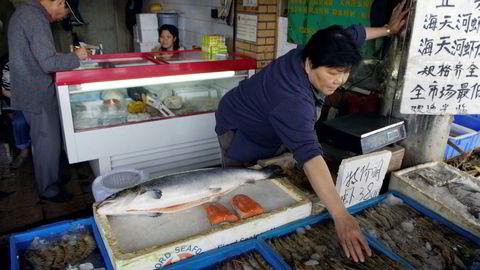 Det nye koronautbruddet i Beijing, har fått følger for import av mat, inkludert fersk, hel laks fra Norge.