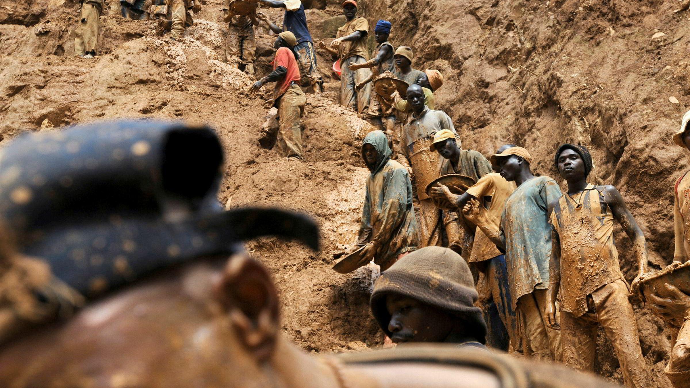 I dag foregår mesteparten av utvinning og produksjon av for eksempel litium i Chile, kobolt i Kongo og indium i Kina. Her et bilde fra Kongo, der konflikter ofte har oppstått som følge av uenighet knyttet til landets ressurser.