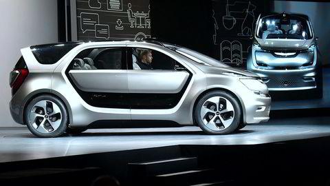 Fiat Chrysler lover å investere tungt i USA. På bildet en konseptbil fra Fiat Chrysler vist frem på selskapets første pressekonferanse i 2017 i Las Vegas forrige tirsdag.