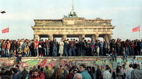 Berlinmurens fall i 1989 åpnet for en fundamentalt bedre verden, men ga også nye fundamentale utfordringer, skriver Erik Solheim.