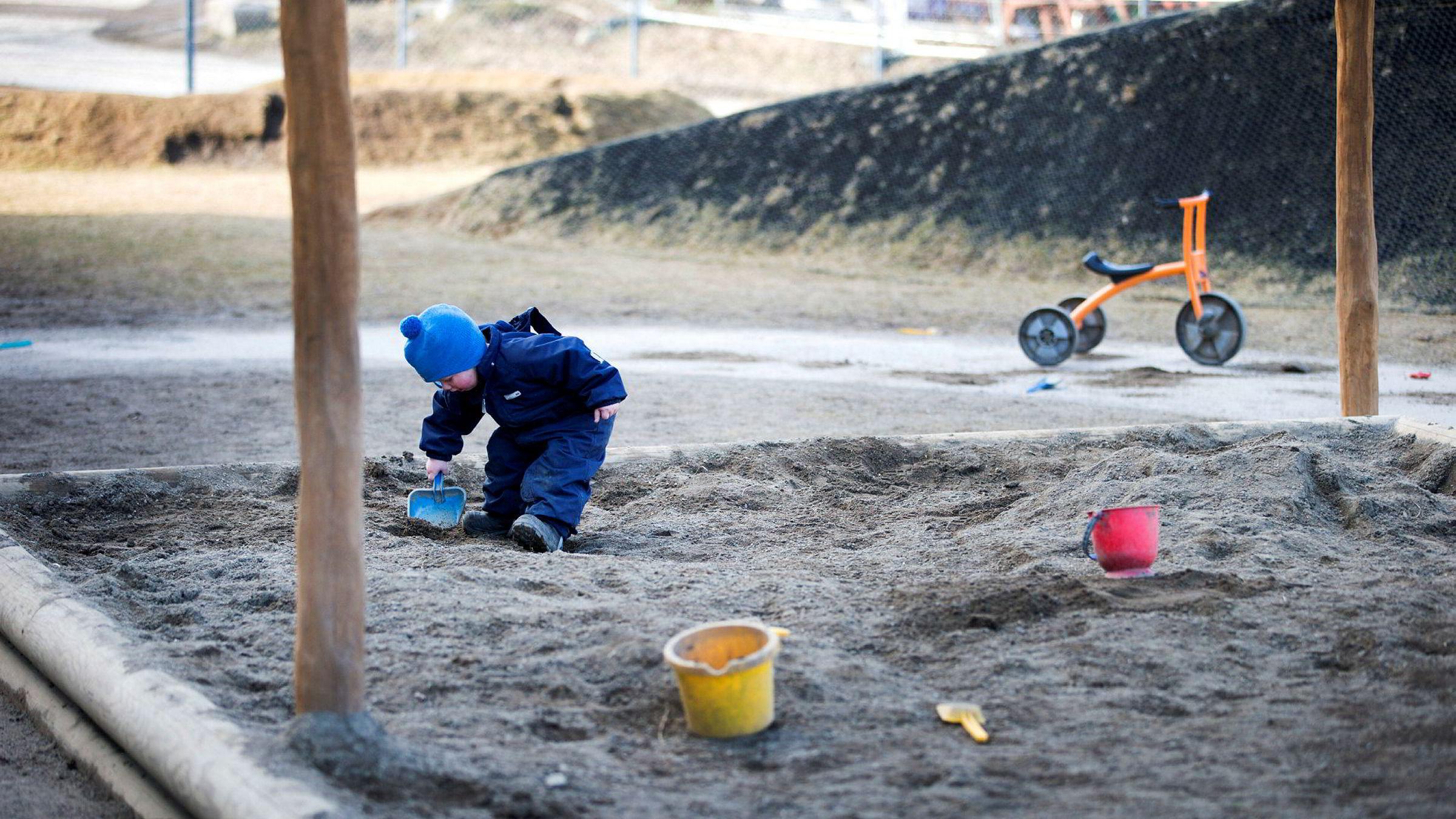 Er det virkelig en god idé å frata foreldre muligheten til å velge noe annet enn den kommunale barnehagen? skriver artikkelforfatteren.