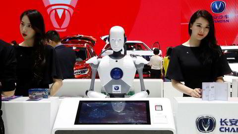 Robotteknologi er i vinden. Her et bilde av en resepsjonsrobot tatt i Beijing i april.