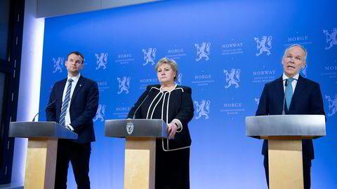 Pressekonf. med Erna Solberg. Kjell Ingolf Ropstad (tv) og Jan Tore Sanner (th).