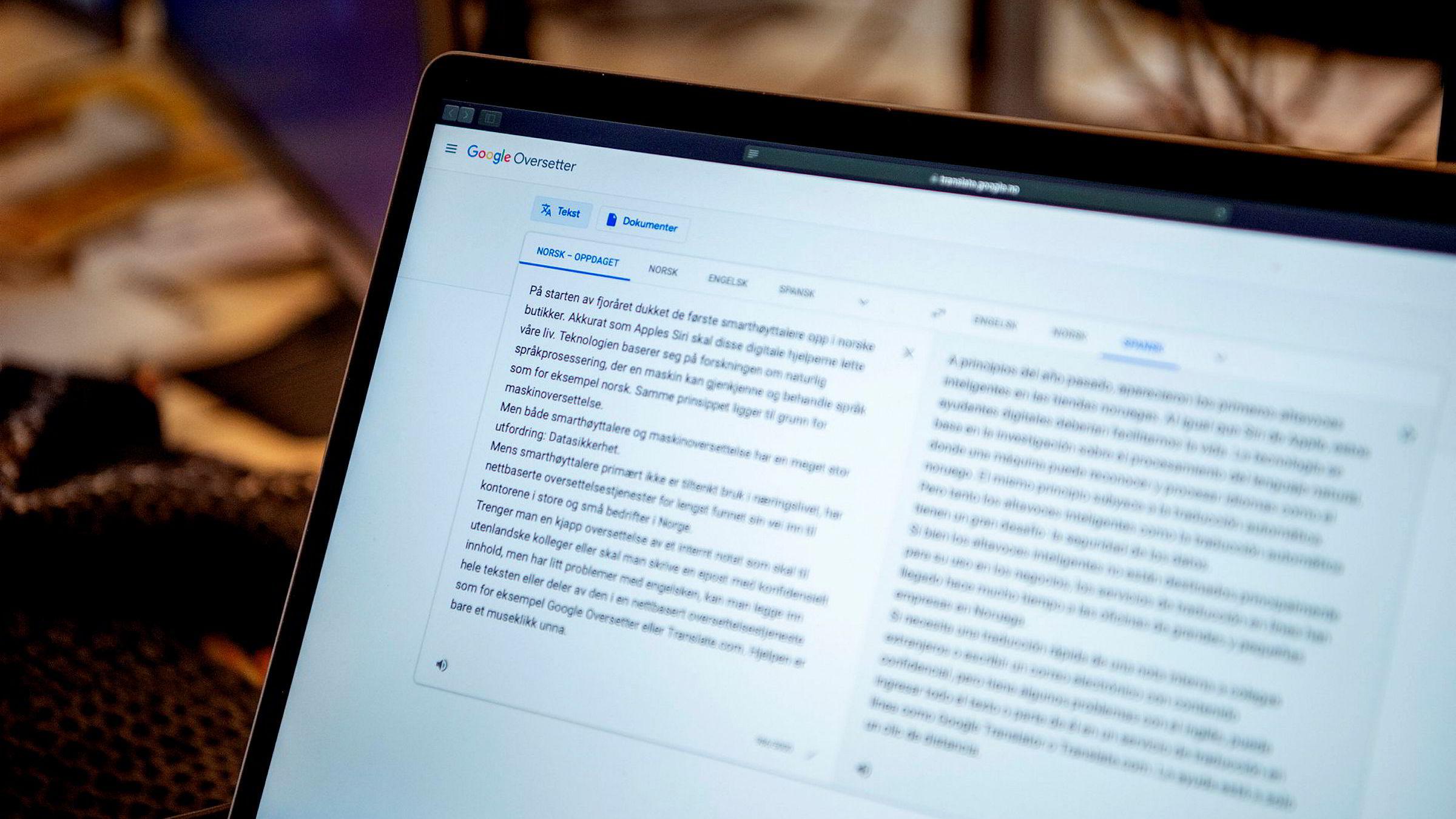 Bruken av nettbasert maskinoversettelse har nærmest eksplodert siden lanseringen av Google Oversetter i 2006. På Googles egen blogg opplyses det at de oversetter cirka 100 millioner ord hver dag, skriver artikkelforfatterne.