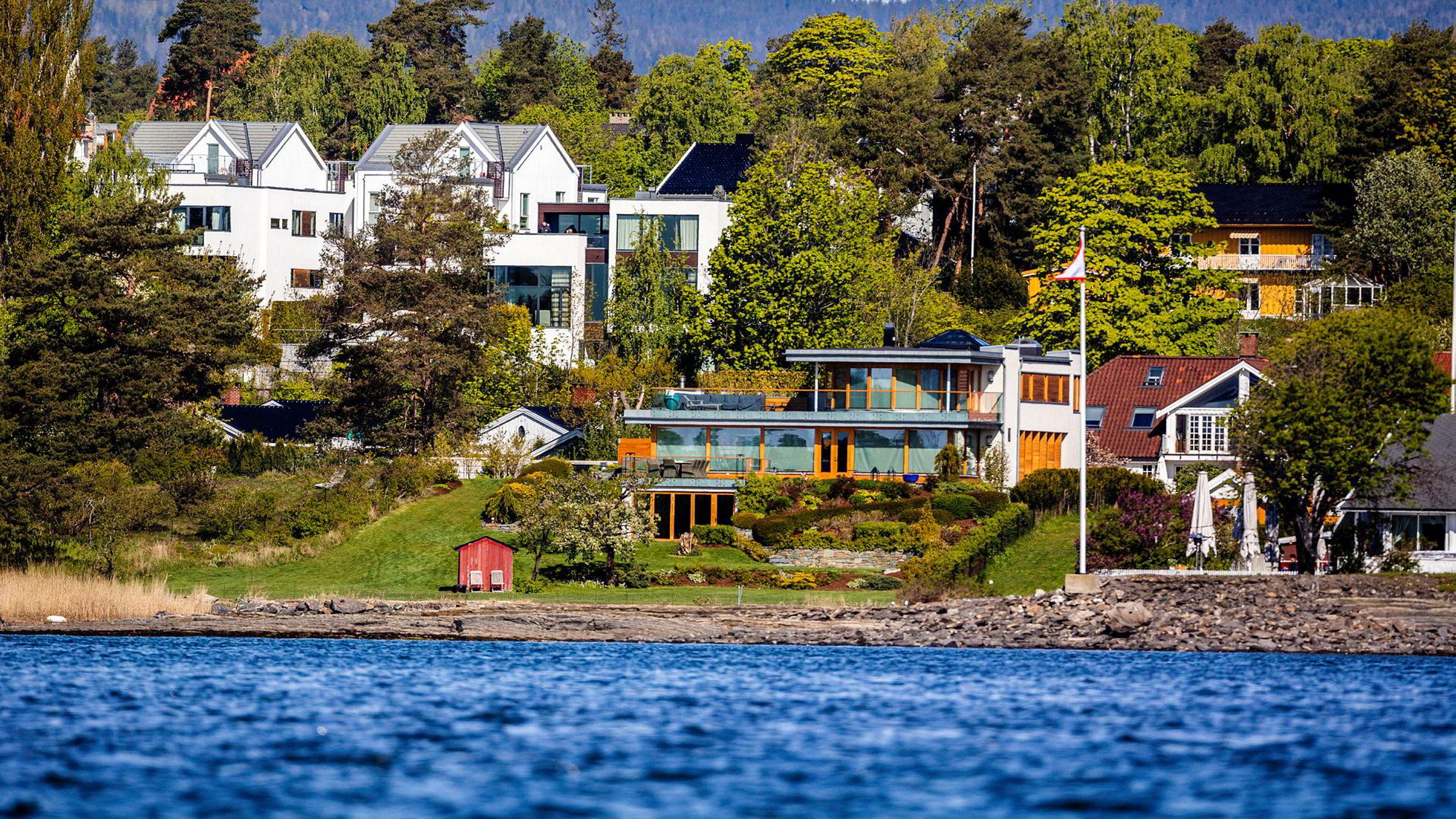 Bygdøy-eiendommene til Egil Stenshagen sett fra sjøsiden.