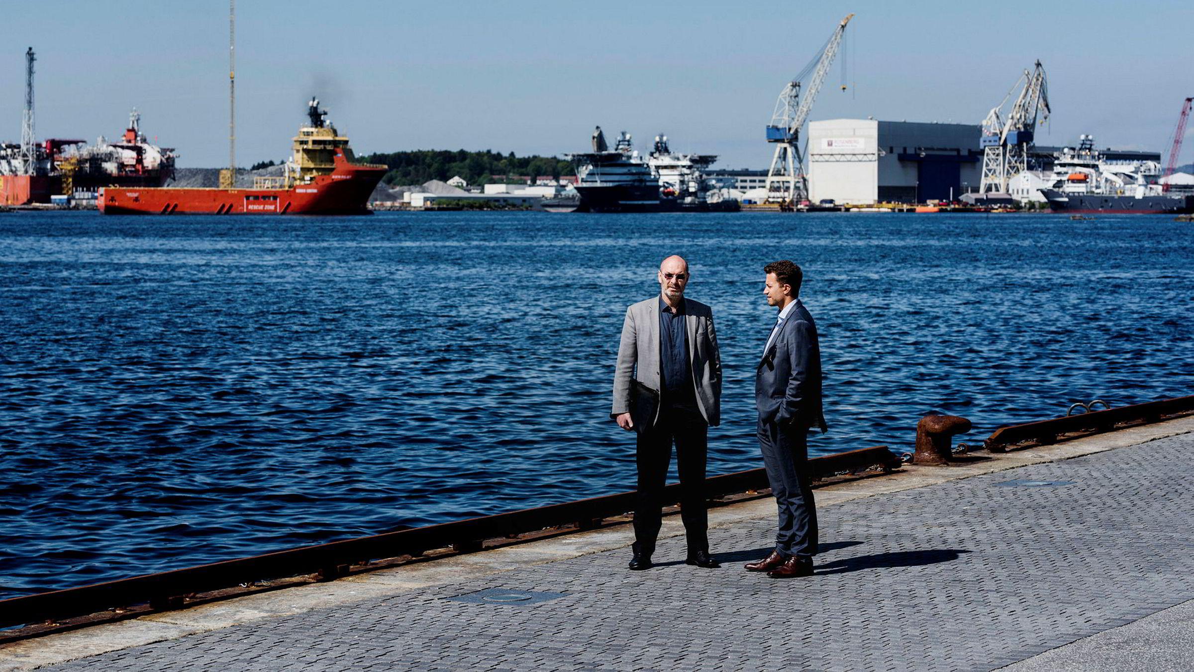 Daglig leder Jostein Aleksandersen (til venstre) i Neodrill har fått retten med på en midlertidig forføyning etter strid med Statoil om Cap-X-teknologien. Her sammen sin advokat Kyrre Tangen Andersen.