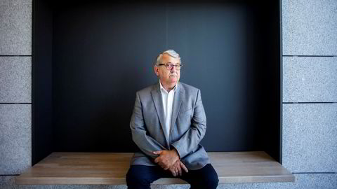Riksrevisor Per-Kristian Foss er ikke enig i at han har en sleivete lederstil, men har vurdert egnetheten sin etter kritikken som har kommet.